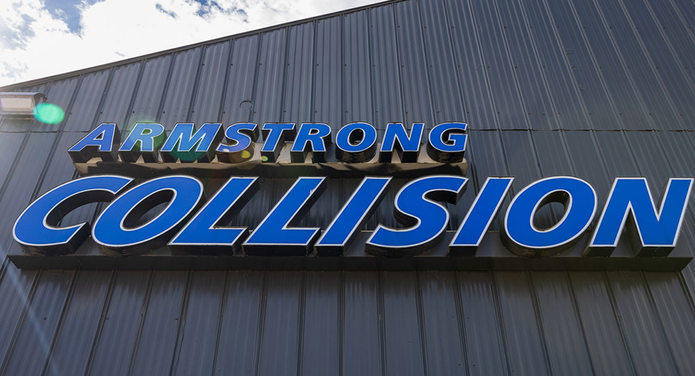 Armstrong Collision building Signage
